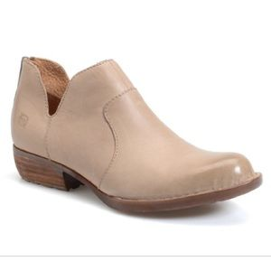 Born Kerri Lowcut Ankle Booties Taupe Leather 9.5